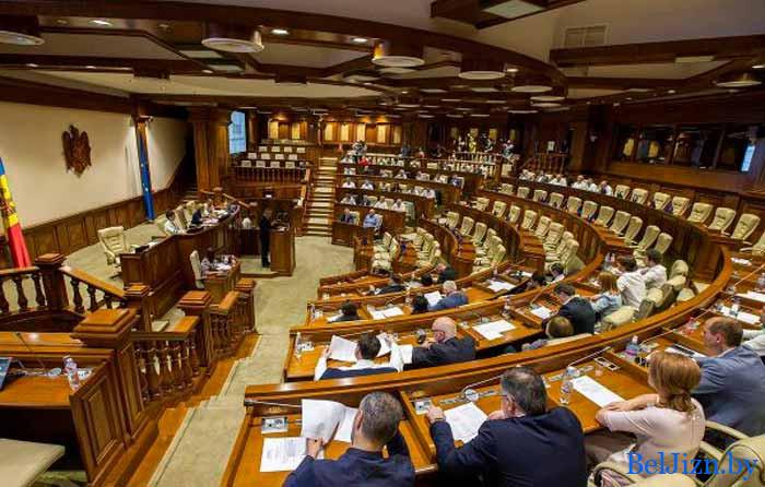 зарплаты депутатам в беларуси в 2020 году